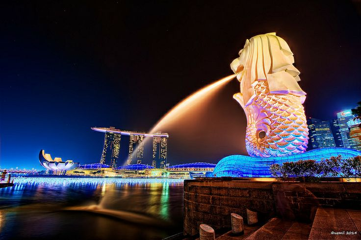 HDR Photo: Merlion VS Marina Bay Sands, Singapore