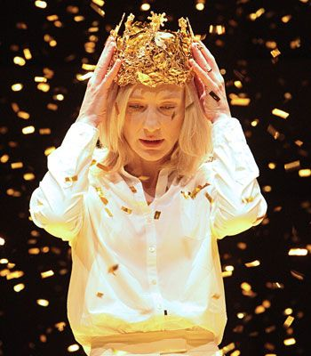 cat-i-the-adage: Cate Blanchett as Richard II in the Sydney Festival's The War of the Roses