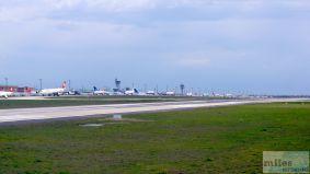 Stau auf dem Weg zur Startbahn - Check more at http://www.miles-around.de/trip-reports/premium-economy/turkish-airlines-boeing-777-300er-comfort-class-istanbul-nach-los-angeles/,  #Airport #avgeek #Aviation #Boeing #ComfortClass #Flughafen #FRA #IST #LAX #LEJ #Lufthansa #Trip-Report #TurkishAirlines #USA
