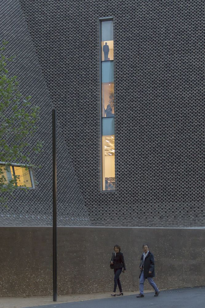 Gallery of Gallery: Herzog & de Meuron's Tate Modern Extension Photographed by Laurian Ghinitoiu - 31