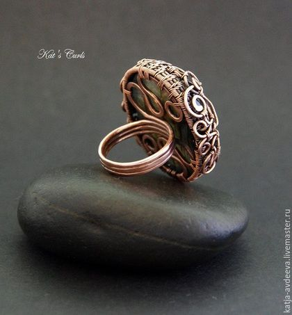 Купить Медное кольцо с синим лабрадоритом - синий, медное кольцо, кольцо из меди, кольцо с лабрадоритом