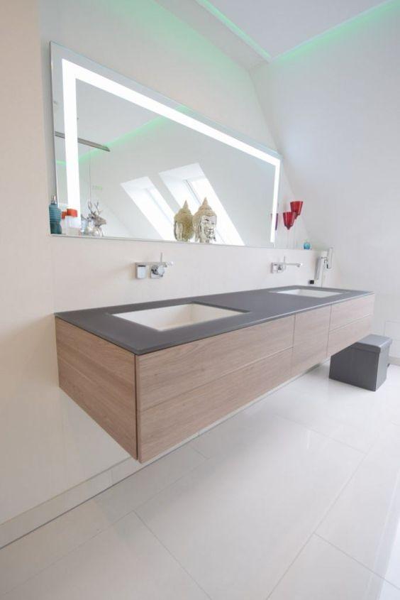 Damit der Badspiegel passend zur Waschtischanlage …