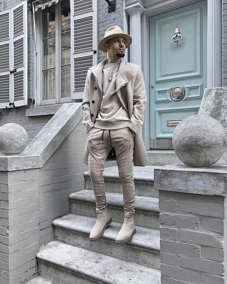 "1,658 Likes, 75 Comments - Ry (@ryriches) on Instagram: ""Beige Short Sleeve Jumper paired with Faux Suede Beige Chelsea Boots by @manieredevoir #beigeboys…"""