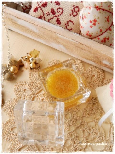 body scrub homemade with brown sugar, oil, honey and lemon