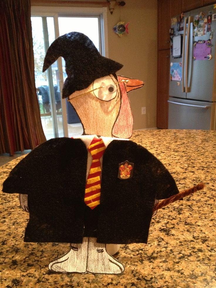 Rachel had to disguise Tom Turkey before Thanksgiving. Looks like he will be hiding out at Hogwarts! Seems to have been sorted into Gryffindor! Love the tie, Tom.