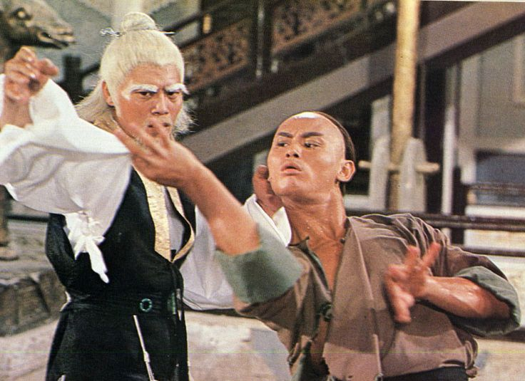 The 36th Blogger of Shaolin. — Gordon Liu using his Embroidery Fist against Lo...