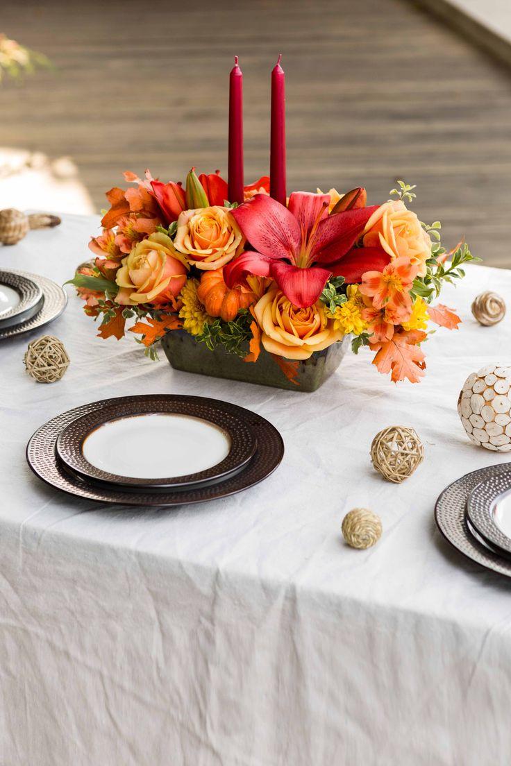 Teleflora's Country Oven Centerpiece | Thanksgiving Centerpiece | Thanksgiving Tablescape | Thanksgiving Flowers | Table Centerpiece | #thanksgiving #teleflora