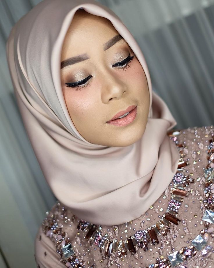 Hijab Engagement / Muslim Brides / Engagement Makeup by yunitairawan on Instagram ☁ @terosha ☁
