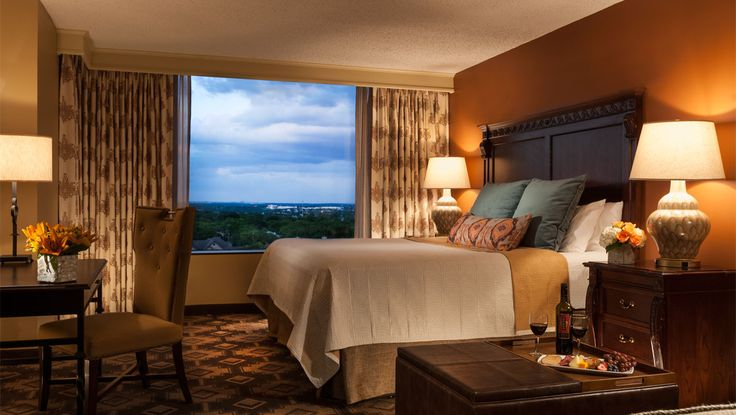 San Antonio Hotels | Luxury San Antonio Hotel | Omni Hotels 10 minutes from San Antonio Palace and 15 minutes from Boerne!! Nice ace to stay!!