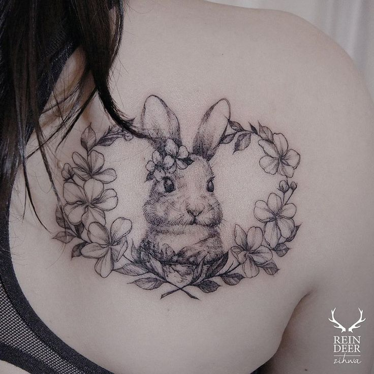 Cute Rabbit Shoulder Blade Piece | Best tattoo ideas & designs