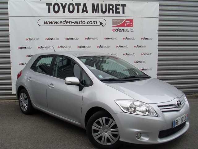 Toyota à Toulouse et Muret vous proposent des offres exceptionnelles sur des véhicules neufs et de direction : Toyota Auris 126 D-4D FAP Dynamic occasion en vente à Muret à 14990 €