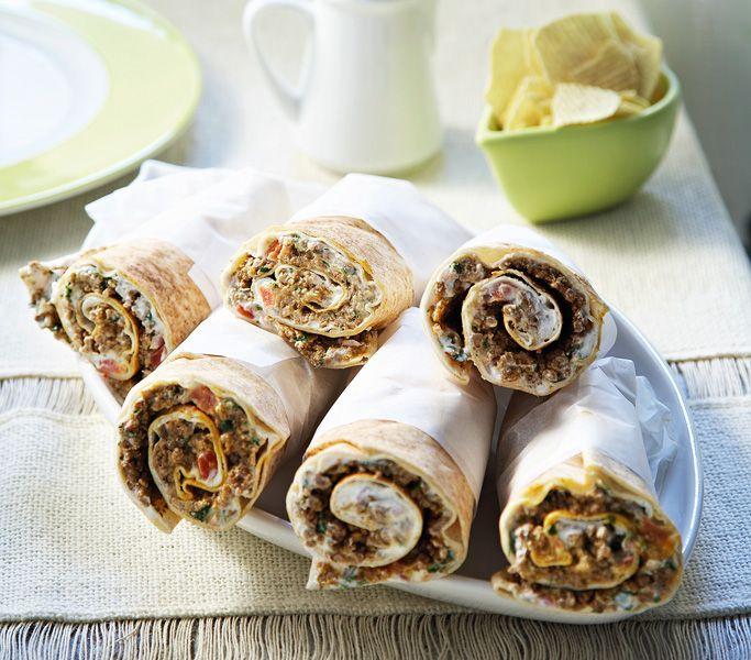 Οι Ανατολίτες δεν βάζουν ποτέ ντομάτα στον καβουρδισμένο κιμά. Τον αρωματίζουν με πολλά μπαχαρικά και κυρίως κύμινο, ενώ από το γιαούρτι δεν λείπει ποτέ ο δυόσμος.