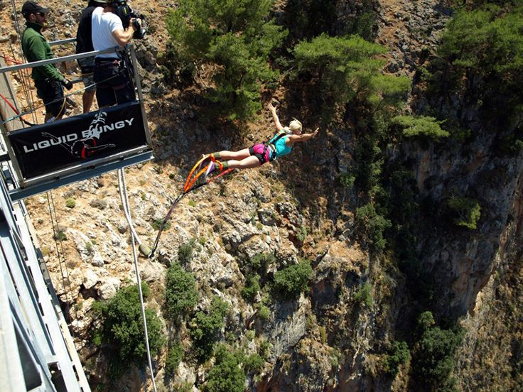 Bungee jumping from Aradena bridge