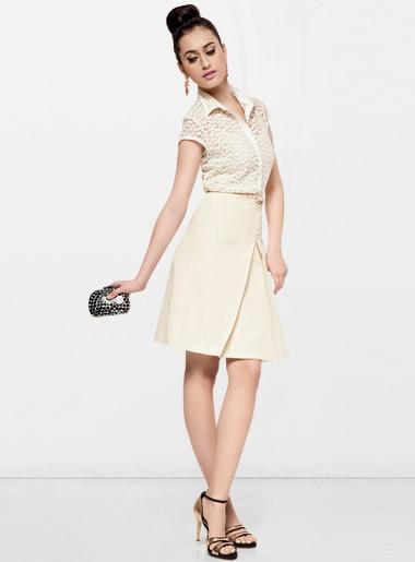 Saiba como montar looks românticos e femininos inspirados na marca nova-iorquina - Moda, Beleza, Estilo, Customizaçao e Receitas - Manequim - Editora Abril:
