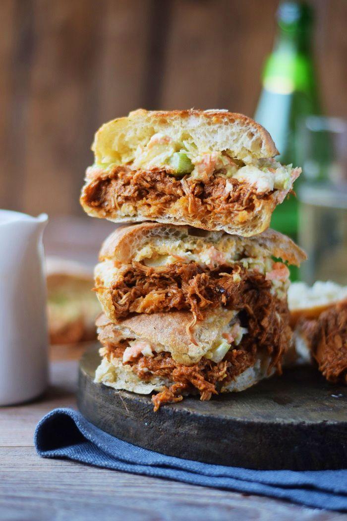 Pulled Chicken BBQ Cider Ciabatta Burger mit Coleslaw #dinner #snacks #bbq   Das Knusperstübchen