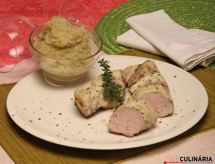 Lombinho de porco preto com puré de batata-doce. Descubra como cozinhar Lombinho de porco preto de maneira prática e deliciosa com a TeleCulinária!