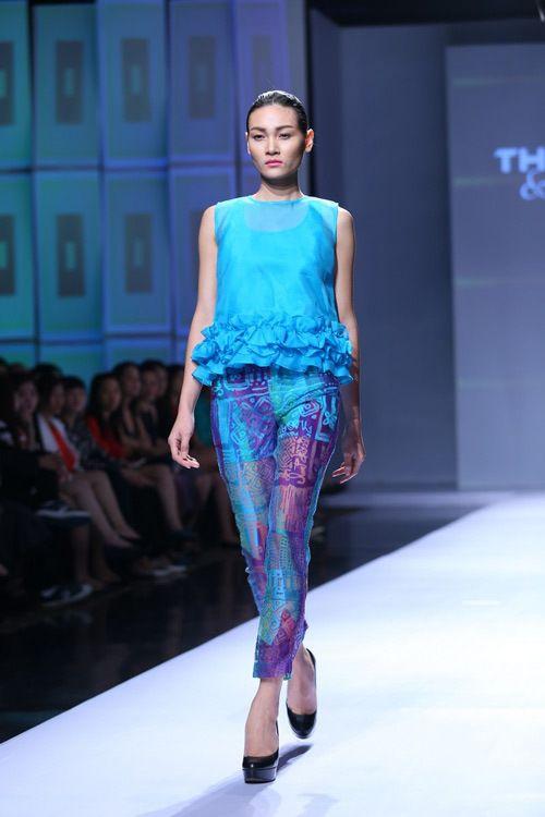 Hoàng Thùy yêu kiều với trang phục của NTK Thủy Nguyễn