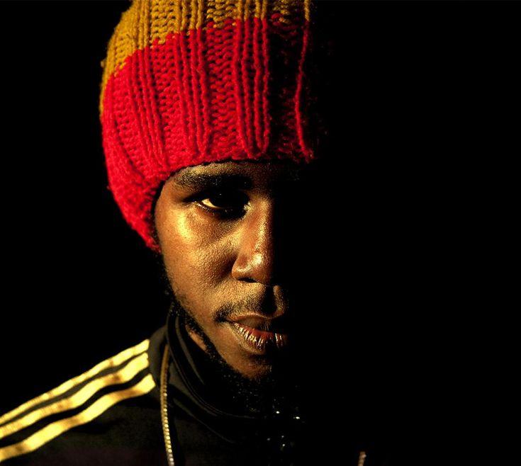 Chronixx - Ghetto People (On The Corner Riddim) -| http://reggaeworldcrew.net/chronixx-ghetto-people-on-the-corner-riddim/