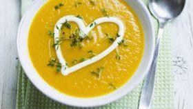 Krémová mrkvová polievka so žeruchou