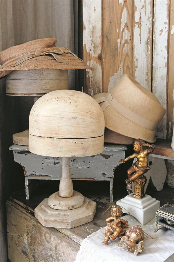 334 best vintage hats stands pins boxes images on pinterest vintage hats - L armoire de camille ...
