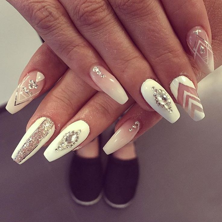 #kynnet #rakennekynnet #geelikynnet #nails #nailswag #instanails #gelnails  @spalotus_tikkurila