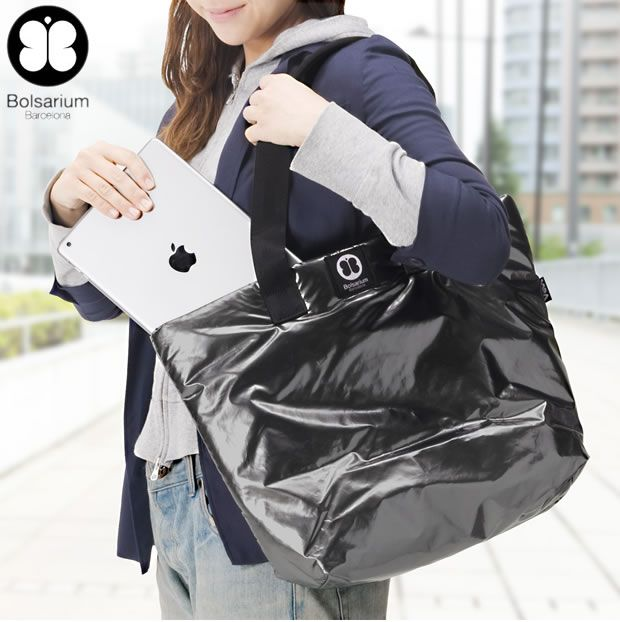 We have developed a product setting tendencies,  with 21st century's women in mind. It is practical and takes care of your image. Designed to provide maximum protection for your tablet PC, PC, notebook.