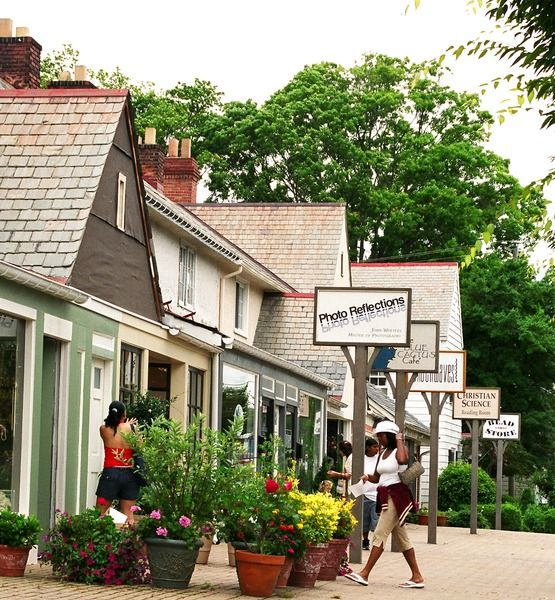 Quaint Historical Hilton Village - Newport News - a good place to spend the day shopping in the many boutiques
