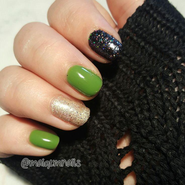 Simple green, gold and black glitter!! @maigemnails #maigem #maigemnails