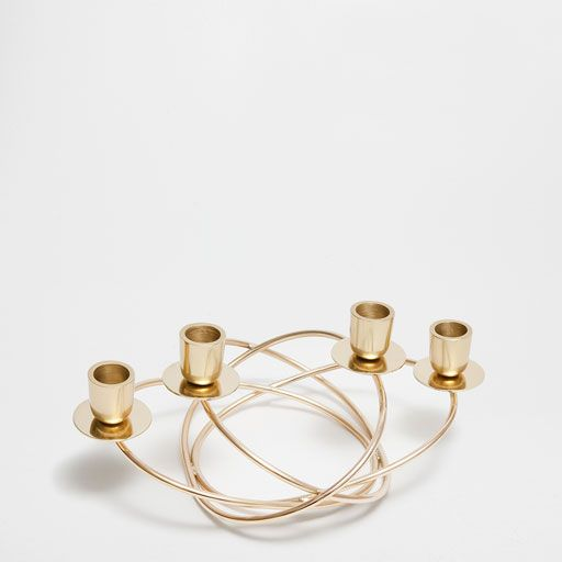 Candelabro do advento com argolas dourado