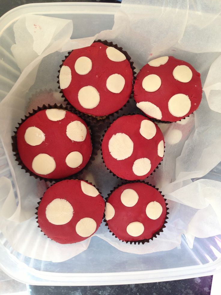Toadstool cupcakes for gruffalo party :)