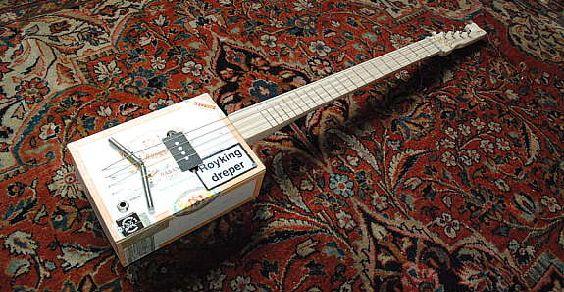 Cigar Box Guitar: le chitarre realizzate dal riciclo delle scatole di sigari