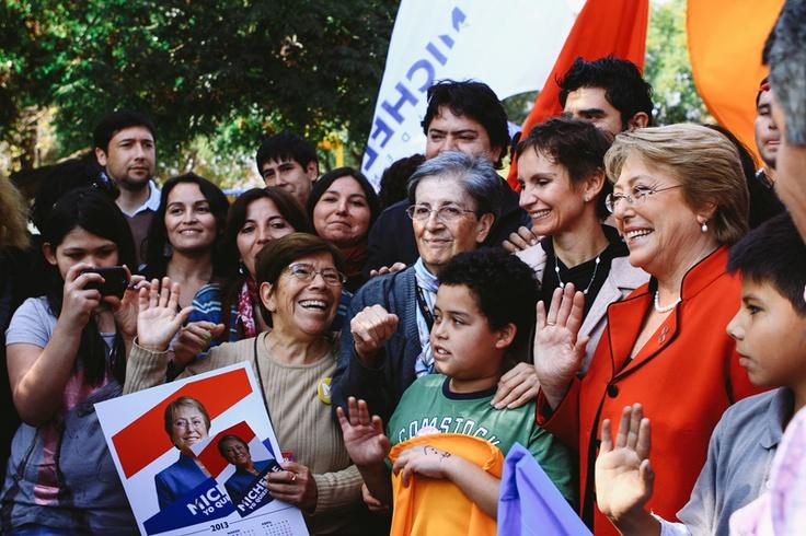 Michelle Bachelet en campaña, Santiago centro, Puerta a Puerta, hoy 11 de mayo de 2013