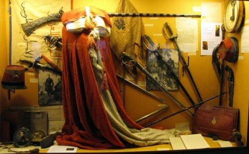 salon de provence,conservatoire du costume militaire français,château de l'empéri,maison de nostradamus
