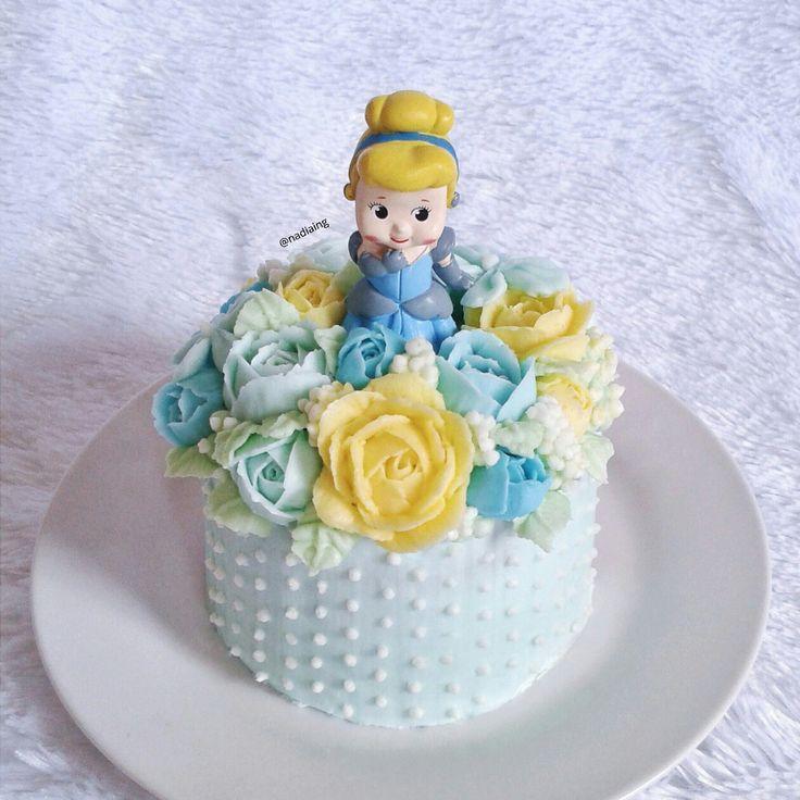 cinderella buttercream flowercake