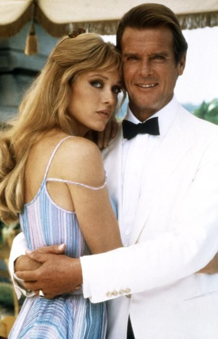 James Bond Stacey Sutton Roger Moore Tanya Roberts James