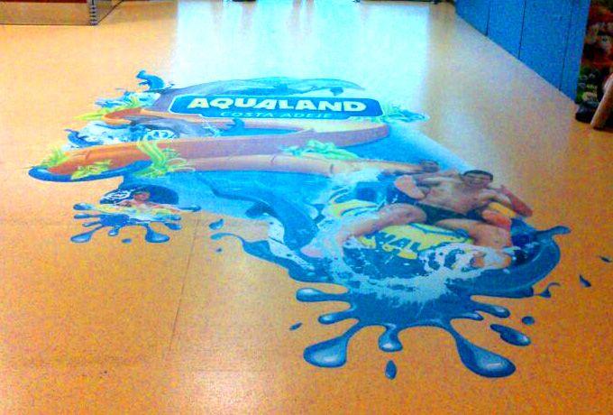 ...También Aqualand en la llegada del aeropuerto Tenerife Sur