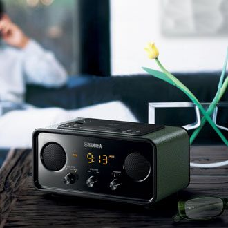 Created for modern living, with a touch of retro design appeal. A clock-radio, an alarm, a wireless player for your smartphone – your life in perfect time with your music.