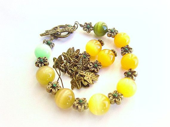 Cat eye beaded bracelet vintage dragonfly by MalinaCapricciosa, $20.00