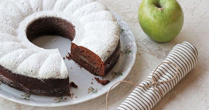 Δείτε τώρα τη συνταγή για Κέικ Μήλου με Σοκολάτα και εντυπωσιάστε τους όλους. Δοκιμασμένη συνταγή με όλα τα βήματα αναλυτικά!