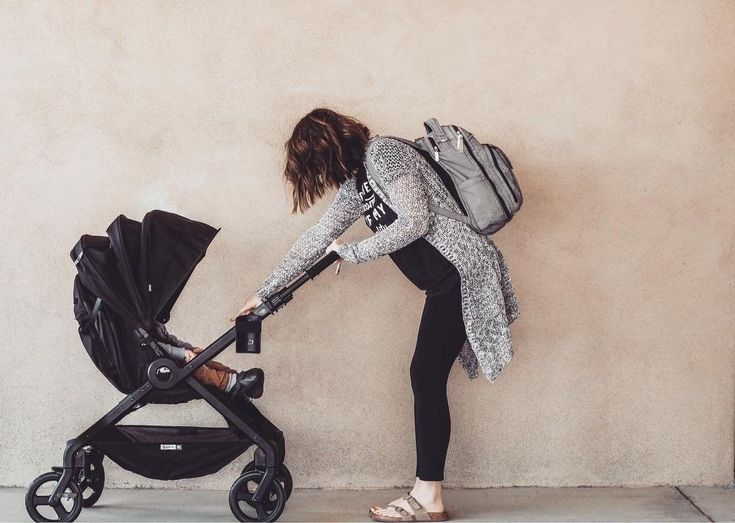 Are you searching for a stroller? @momma.hagan wrote a great review about our 180 Reversible Stroller to help you on your stroller search journey!
