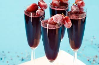 Sparkling Shiraz Jelly with Frosted Grapes
