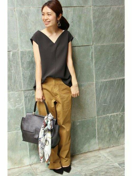 IENAのシャツ・ブラウス「《予約》ミリオーネノースリーブブラウス◆」を使ったWoody(IENA 本社)のコーディネートです。WEARはモデル・俳優・ショップスタッフなどの着こなしをチェックできるファッションコーディネートサイトです。