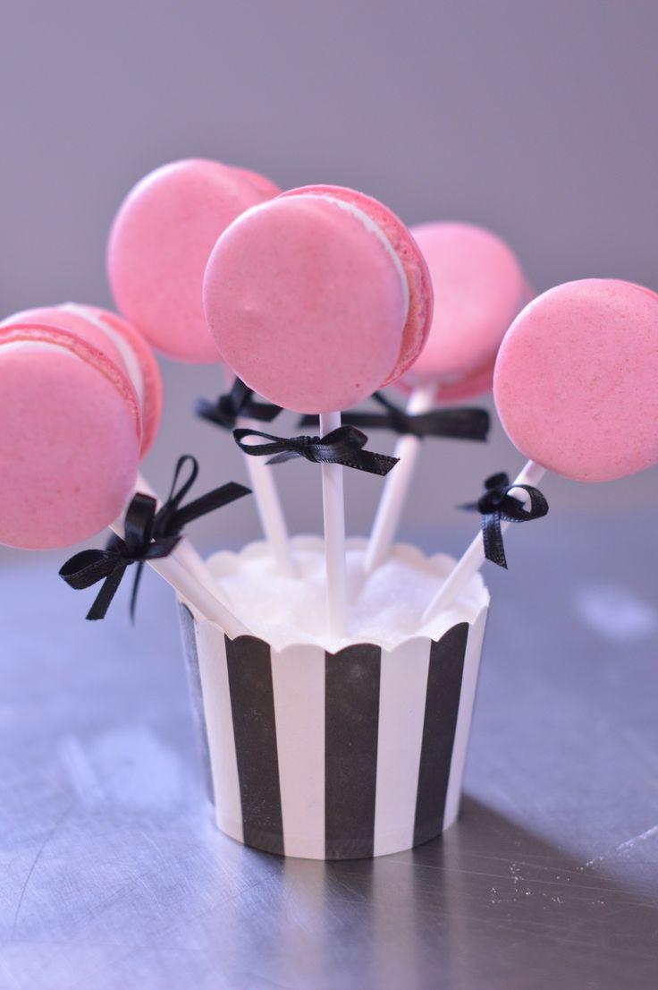 Lollipop Macarons...:)