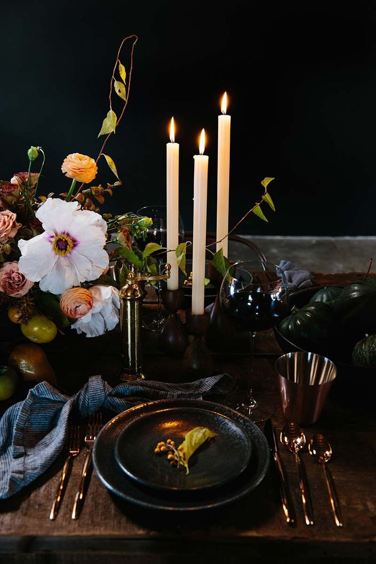 Candle light dinner table for two - Thanksgiving Place Setting Ideas