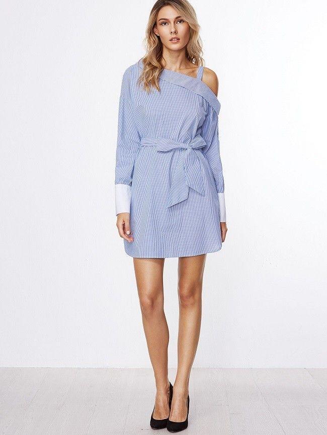 Kleid mit Gürtel in Blau Gestreift