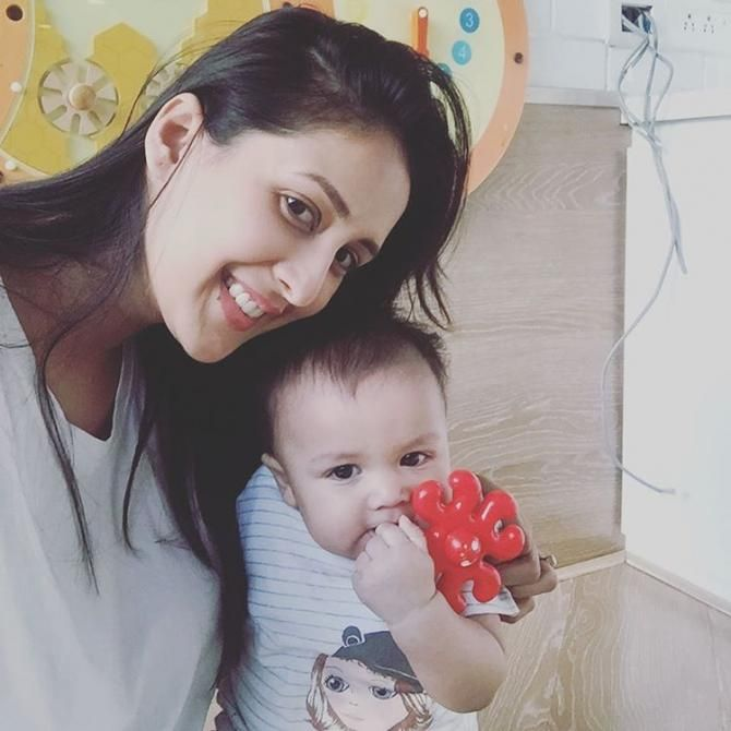 'Qubool Hai' Chahatt Khanna's Baby Girl Posing With Her Daddy Is Just The Most Adorable Sight