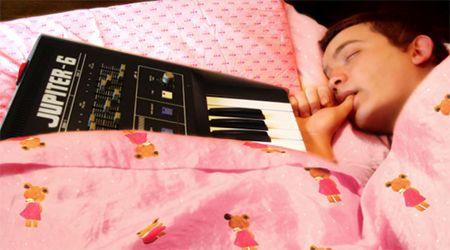 Το «σκονισμένο» παιδί με τις Dark και Psychedelic μελωδίες… Μια συνέντευξη με τον Dusty Kid    Dusty Kid… Ο παραγωγός που ασχολείται με την κλασσική μουσική, την ψυχεδέλεια και το dark μπάσο. Από το 2006 μέχρι και σήμερα μας προσφέρει ηλεκτρονικούς ήχους που θα ικανοποιούσαν από τα πιο old school acid αυτιά μέχρι τους μοντέρνους μινιμαλάδες.