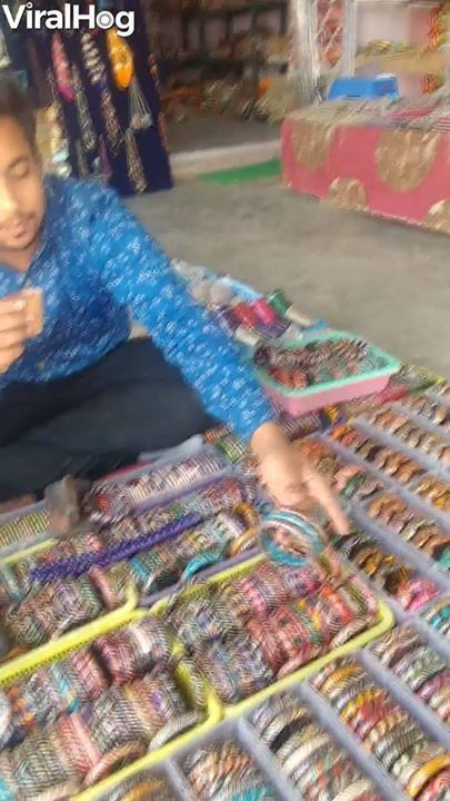 Making Bangles Indian Style Ever Wondered How These Colorful Bangle Bracelets Are Madefunctiond S Id Var Js Fjs D Getelementsbytagnames0 If