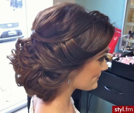 Fryzury wieczorowe włosy: Fryzury Długie Wieczorowe Kręcone Upięcie Brązowe - kasia2304 - 1465514