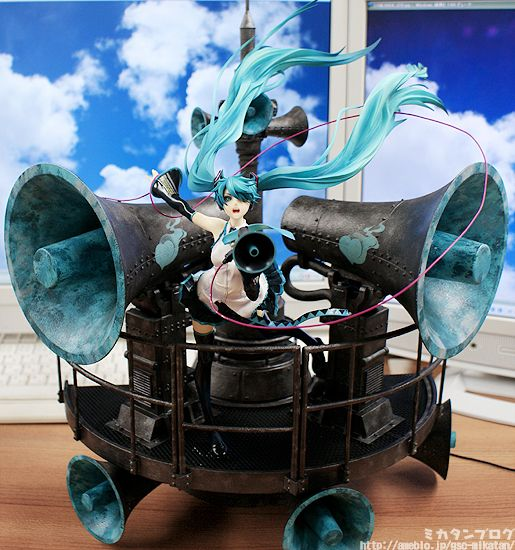 Miku Hatsune ~ Love is War DX ver.